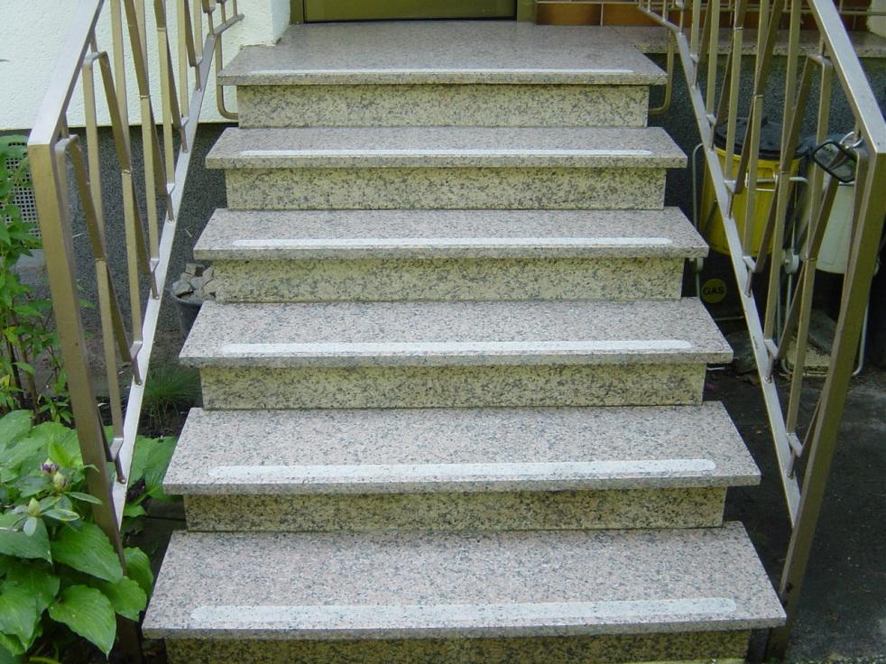 Treppenstufen rutschsicher machen